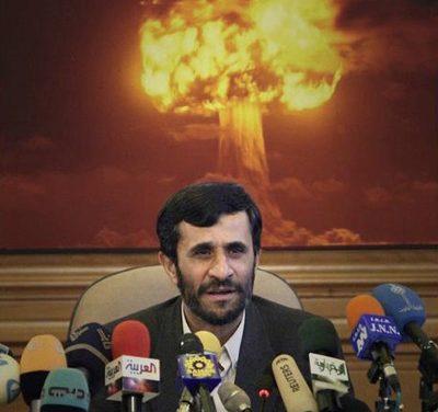 Neoliberalismi ja neorealismi Iranin ydinaseen varjossa