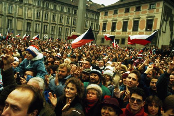 Mielenosoitus. Prahalainen versio vuodelta 1989.