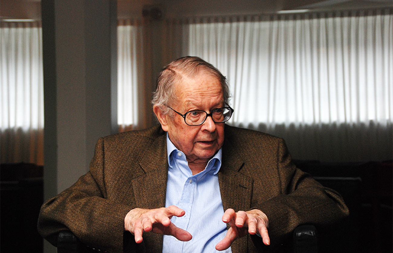 In Memoriam Kenneth Waltz: Kansainvälisten suhteiden fysiokraatti