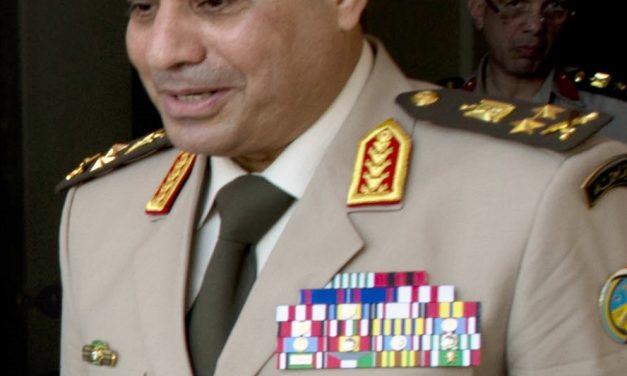 Egyptin armeijan retoriikka puree egyptiläisiin äänestäjiin