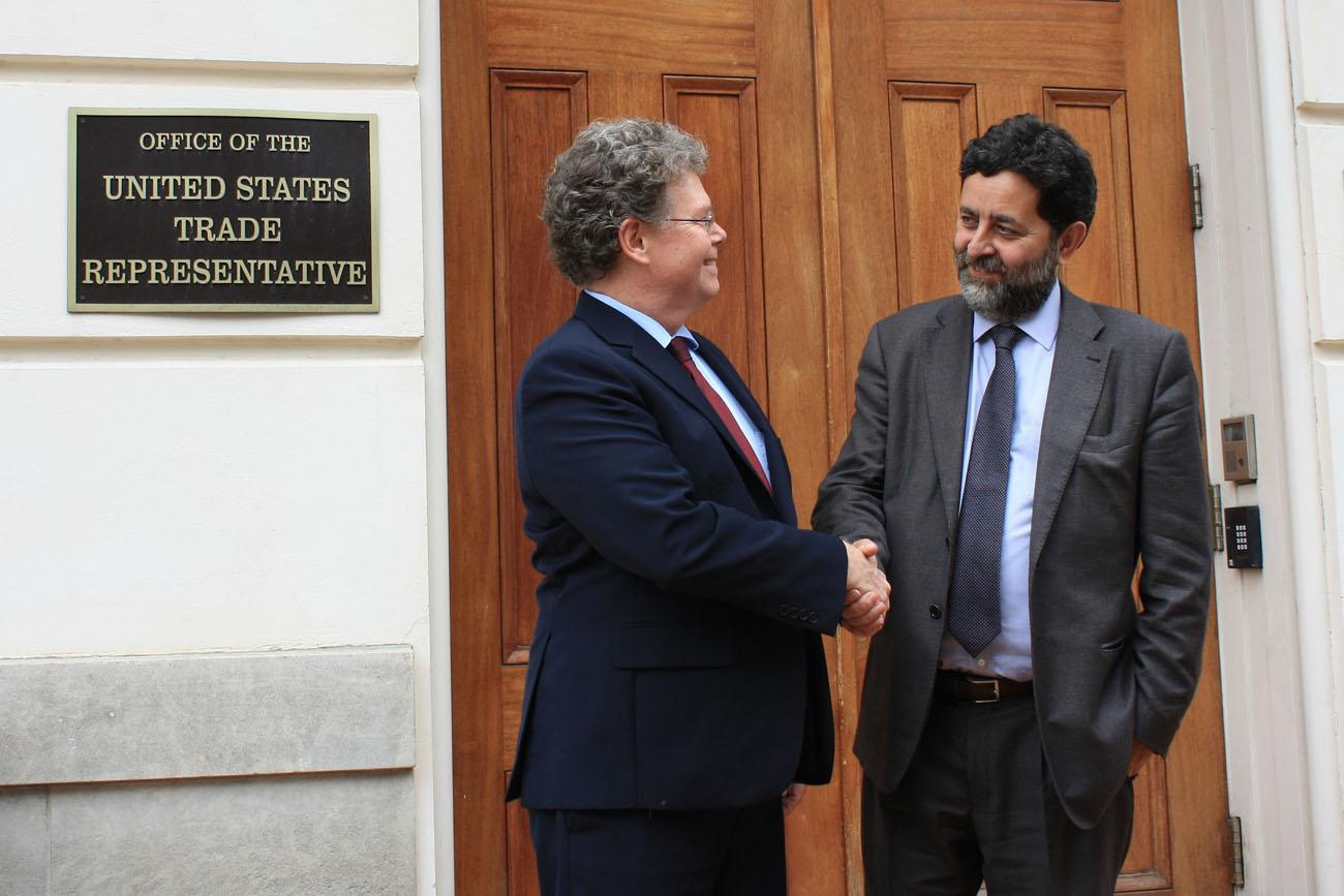 Kuvassa TTIP:n pääneuvottelijat Dan Mullaney Yhdysvalloista ja Ignacio Garcia-Bercero Euroopan unionista. Kuva: Flickr,  U.S. Trade Representative.