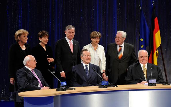 Tekijämiehet Berliinin muurin murtumisen 20-vuotisjuhlissa vuonna 2009. Kuva. Getty Images.