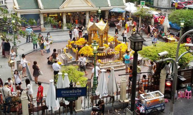 Siirtolaispingis ja muita Thaimaan erikoisuuksia