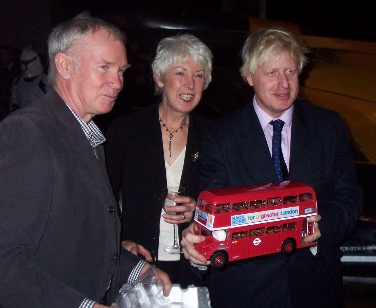 Boris_Johnson_-holding_a_red_model_bus_-2007