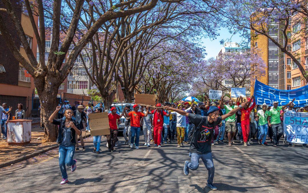 Etelä-Afrikan unelma sateenkaarikansakunnasta vaihtui taloudelliseen apartheidiin