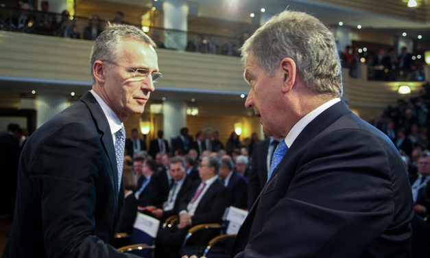 Kansainvälinen yhteistyö vie Suomen puolustuspolitiikkaa kohti valtavirtaa