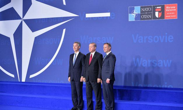 Turkki ja Puola uhmaavat Naton perusarvoja