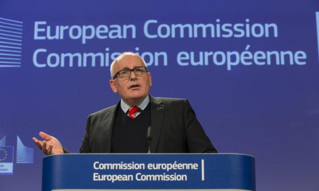 Puolalla on vahva käsi kiistassa EU:n kanssa