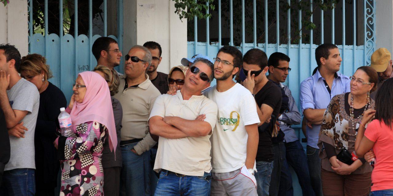 """Epäluottamus varjostaa arabikevään """"valopilkun"""" vaaleja"""