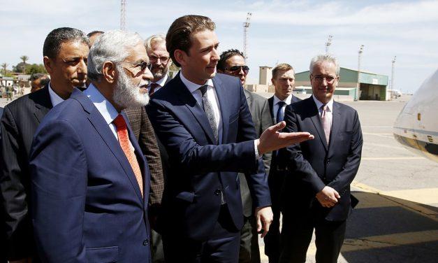Sebastian Kurzin koalitio porskuttaa EU:n keulakuvana kotimaan kohuista huolimatta –  Itävallan esimerkki osoittaa, miten oikeiston maahanmuuttokriittisyydestä on tullut valtavirtaa Euroopassa