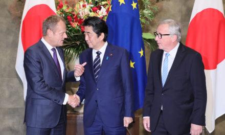Halvempaa juustoa ja sääntöjen mukaista vapaakauppaa: EU:n ja Japanin välinen EPA-sopimus on tärkeä osa Shinzo Aben ulkopoliittista strategiaa