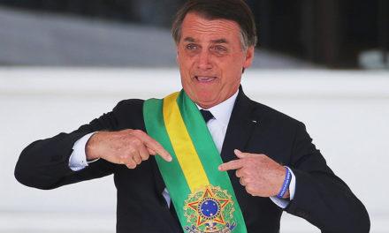 Skandaalien varjostama alkukausi ei saanut presidentti Bolsonaron valtaistuinta keikahtamaan