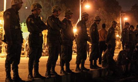 Niin Egyptin pop-tähdet kuin toimittajat laulavat ylistyslaulua armeijalle – maan media on tiukasti armeijan rautakouran otteessa